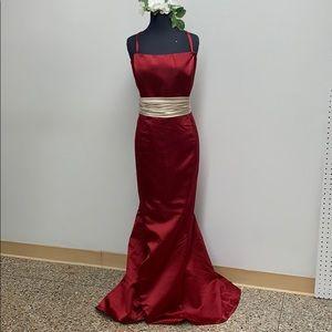Davinci claret/palomino long formal dress.